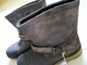 A pair of virtually unworn Caterpillar boots