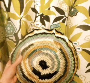 Crochet cushion-finished31