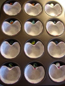 An easy way to make heart shaped muffins or cupcakes!